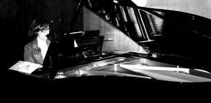(Español) 24 de agosto- Sabina Witt (piano y voz)- Hotel Glow- 21h.